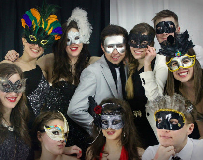 Laurentian's Annual Masquerade Ball is Back!